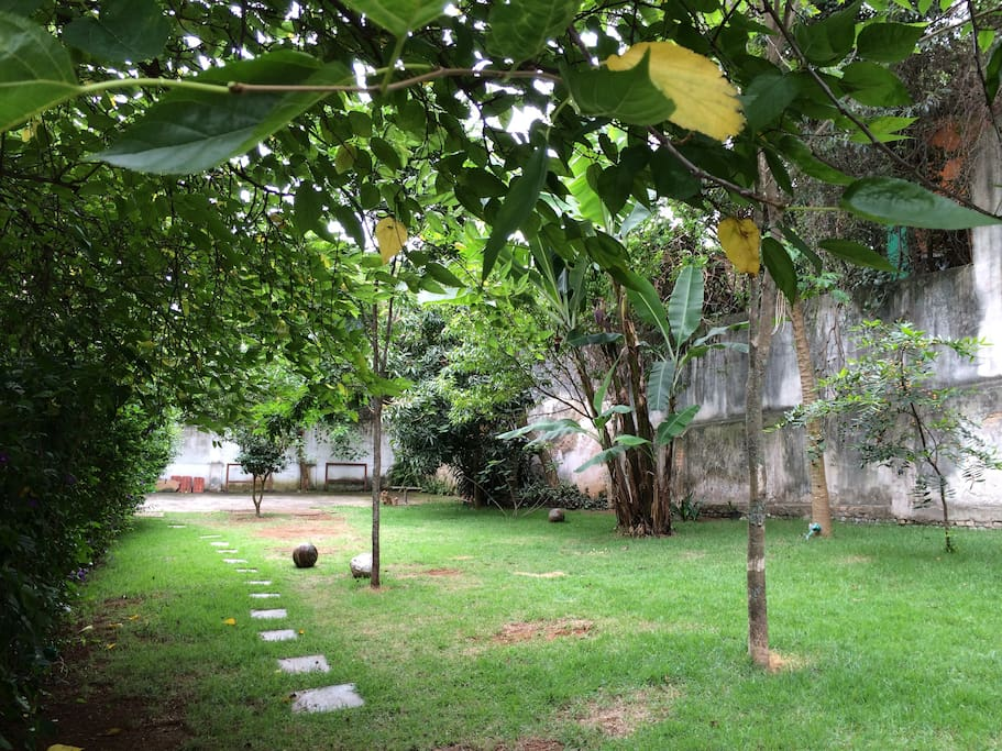 Bright loft in tropical garden apartments for rent in for Large apartment in san paolo