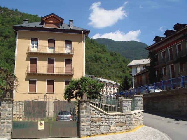 Apartamento y parking