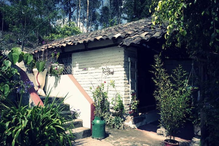 Private house in magnificent garden - Otavalo - Casa