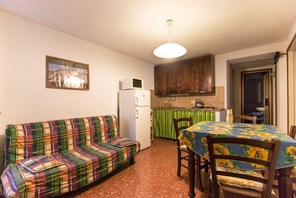 diningroom, Carducci apt, Palazzo Ferretti, Pietrasanta downtown