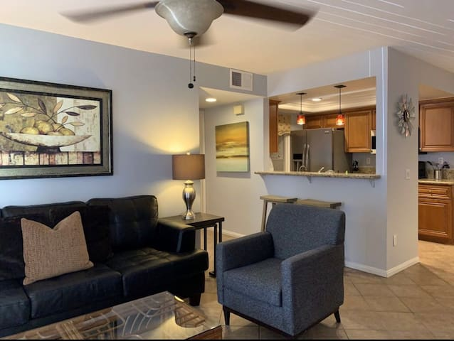 2bd/2br prime location in the heart of SD!