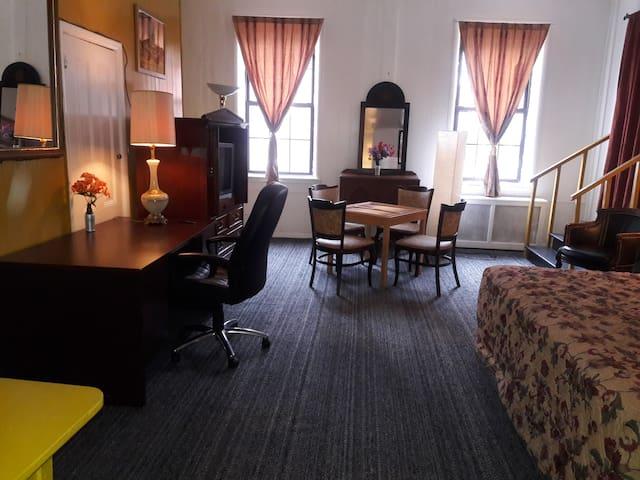 TOKIO Bed and Breakfast Hoshi (Star Room)