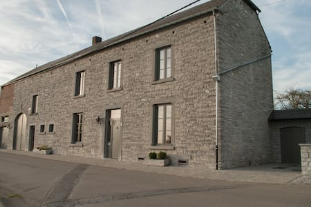 Spacieux gîte rural région Dinant - Dinant - บ้าน