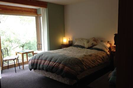 Private guest room in Carmel house - 卡梅爾 - 獨棟