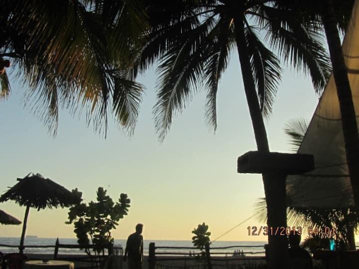 Front Beach House in El Penon El Sa