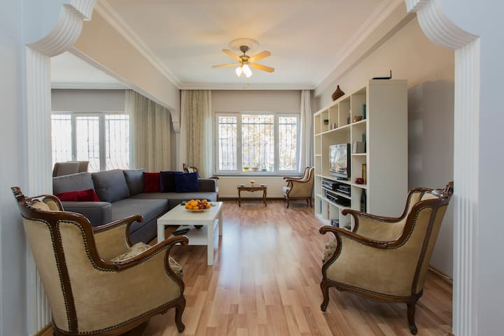 Big flat 4 large groups in harbiye apartments for rent for Guest house harbiye