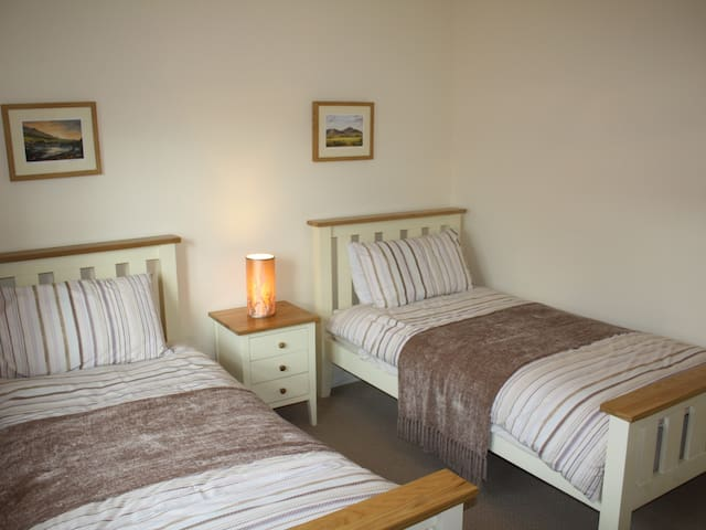 Twin Bedroom, with two single beds