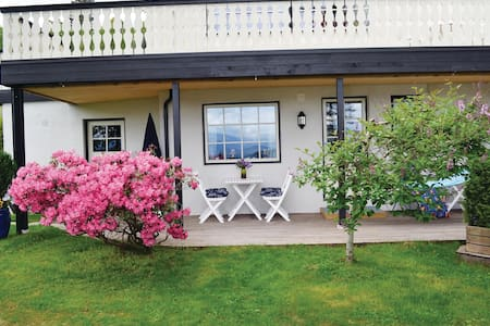 Holiday apartment with 1 room on 28m² in Norheimsund