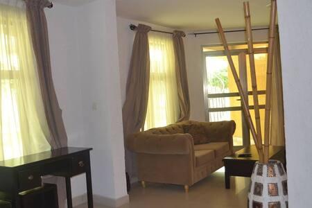 Studio apartment in cosy resort - Cotonou - Appartamento
