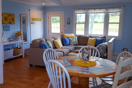 ALL NEW- HAMPTON'S DREAM HOME - Hampton Bays