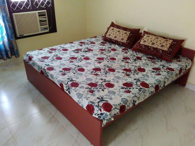 Private Room for Rent in Alwar Thiru Nagar - Chennai - House
