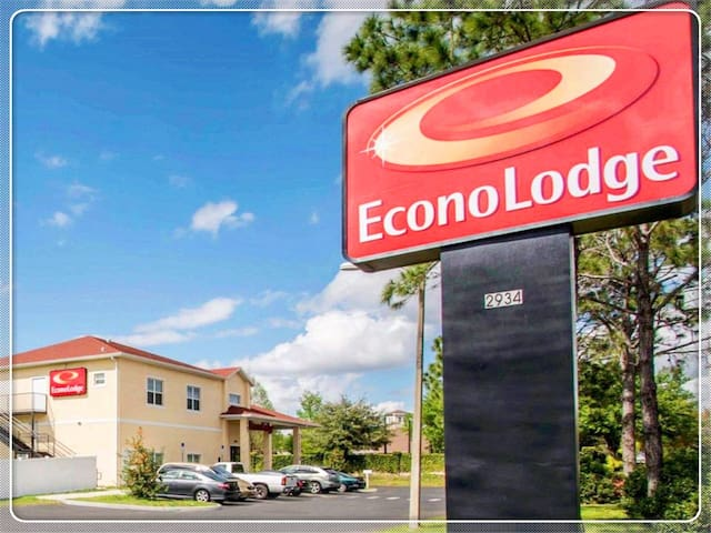 Econo Lodge Kissimmee2