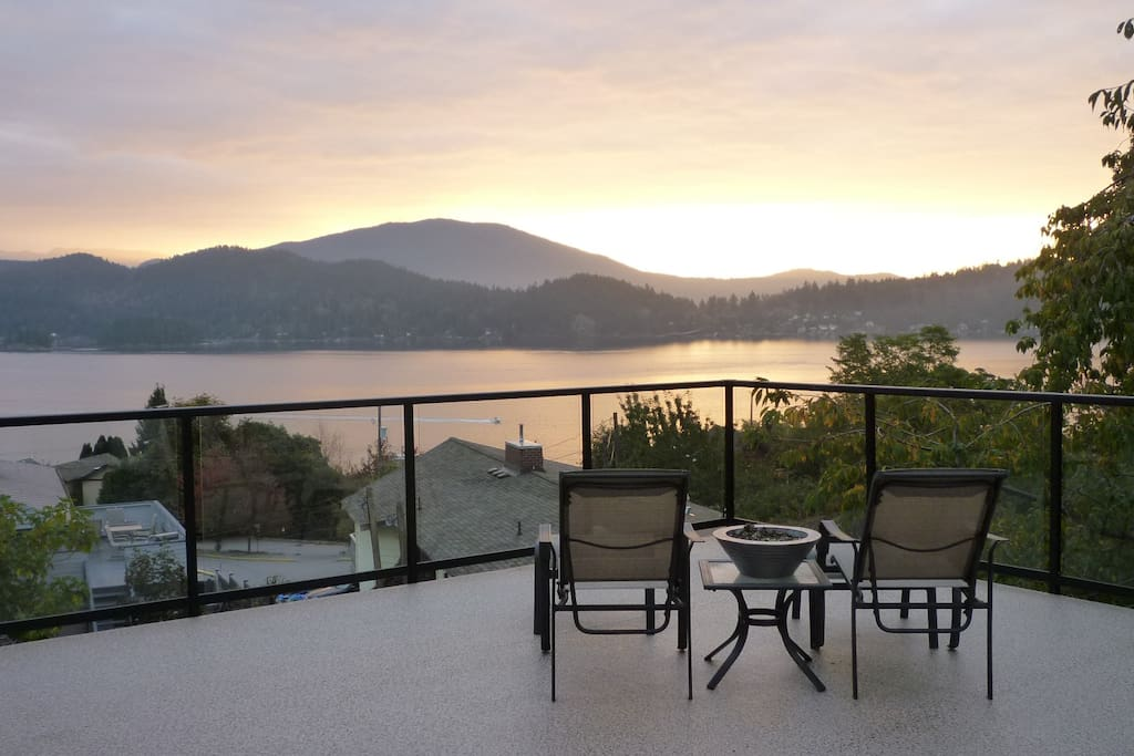 Relax and start your day off with breakfast and coffee on your beautiful deck with gorgeous ocean and mountain views.