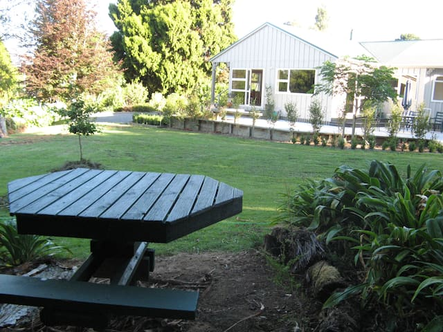 Quiet & relaxing - ideal retreat! - Waihi - Casa