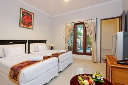 GLOM RESIDENCES @PECATU. DELUXE ROOM [Room Only] - South Kuta