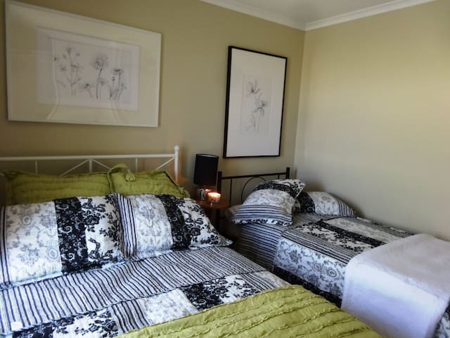 Double bed & Single bed in 2nd bedroom