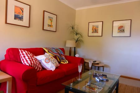 Adelaide Seaside Home-Adelaide Sth - Hallett Cove - House