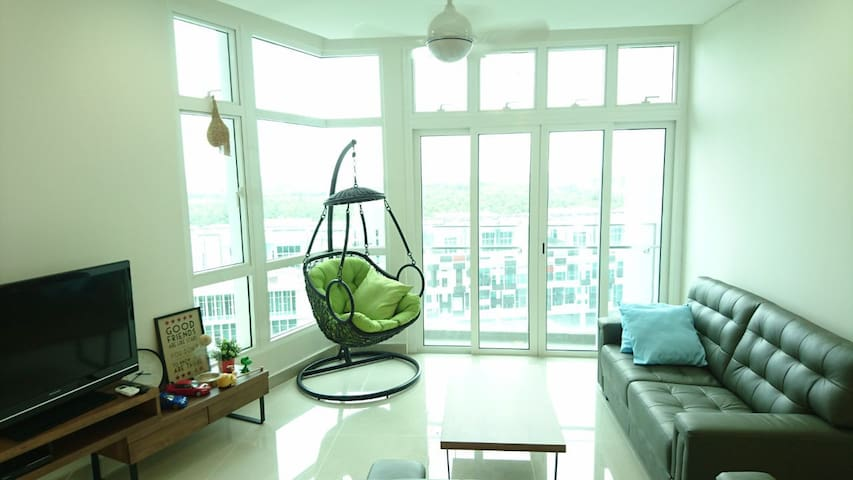 Safe & new condo(pool,gym,sauna.Near Legoland)6pax - Nusajaya - Condominium