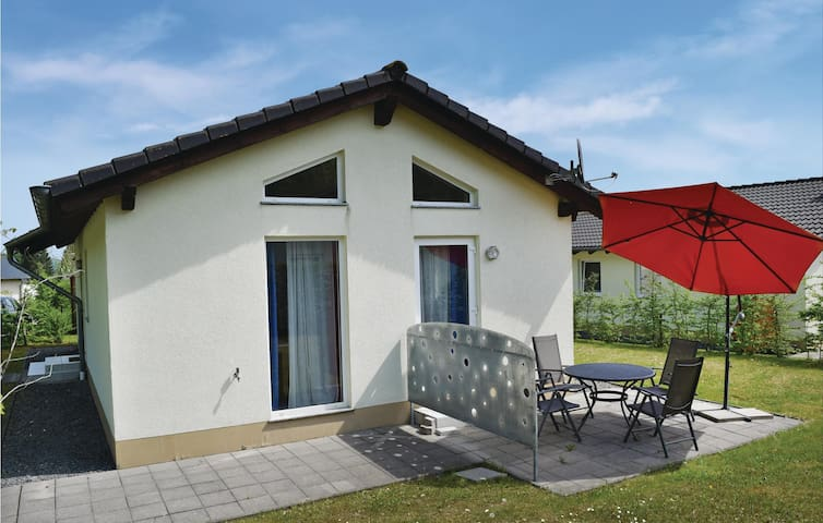 Holiday cottage with 2 bedrooms on 70 m² in Gerolstein/Hinterhaus.
