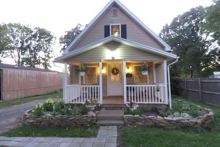 2 Bedroom House / Finger Lakes Region