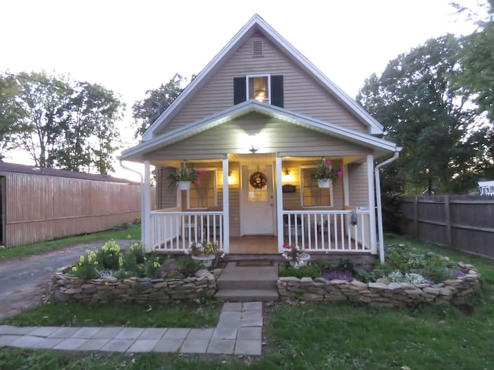 2 Bedroom House / Finger Lakes Region