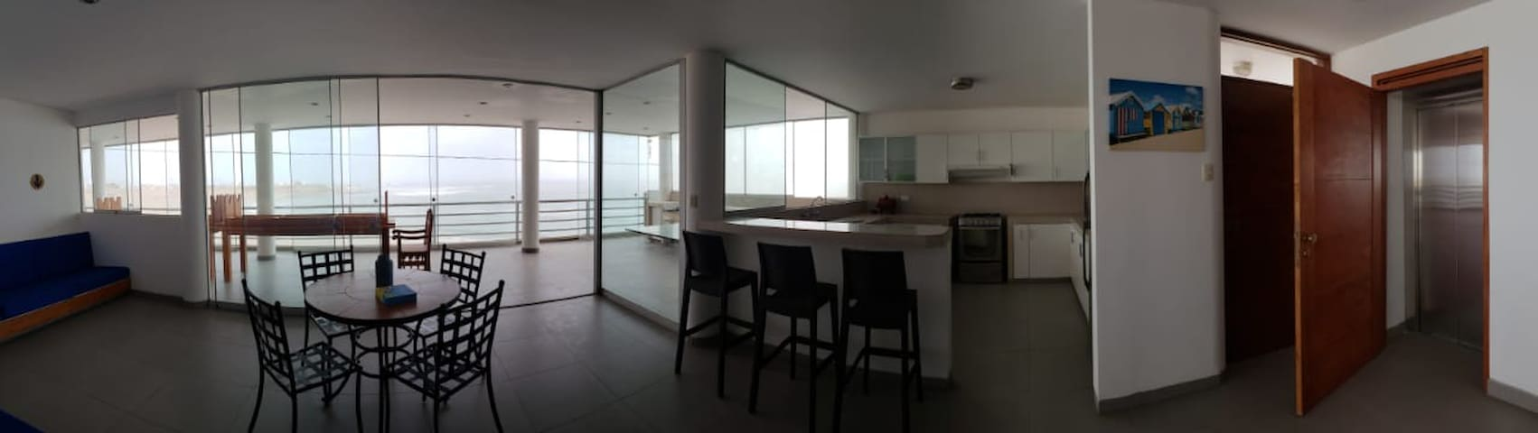 BIG FLAT 200 M2 WITH PANORAMIC VIEW TO THE BEACH