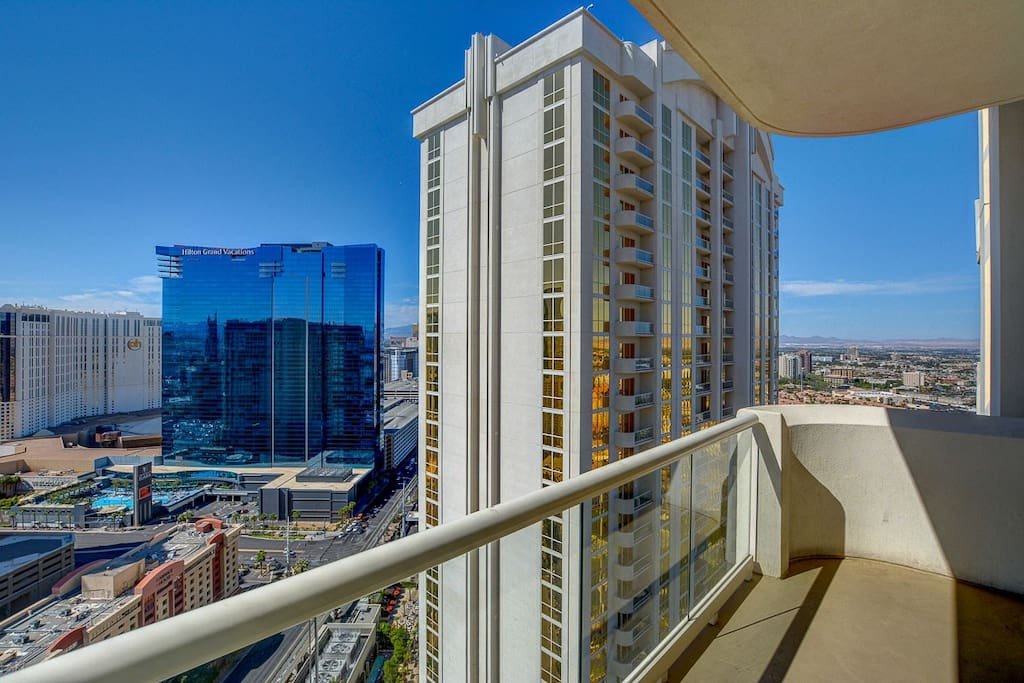 Your private balcony on the 31st floor penthouse level looking to the right.