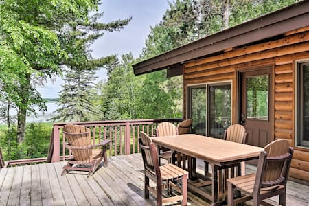 Cozy Lakefront Cabin With All-Seasons Amenities!