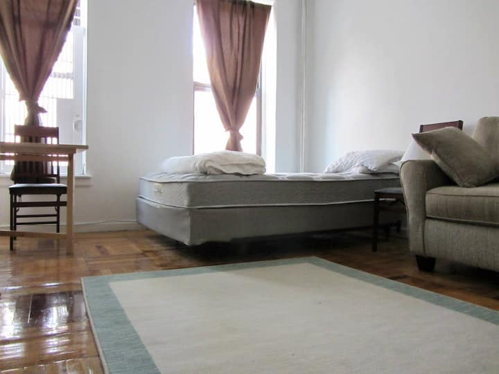 * Lovely Apartment in Heart of Park Slope! *