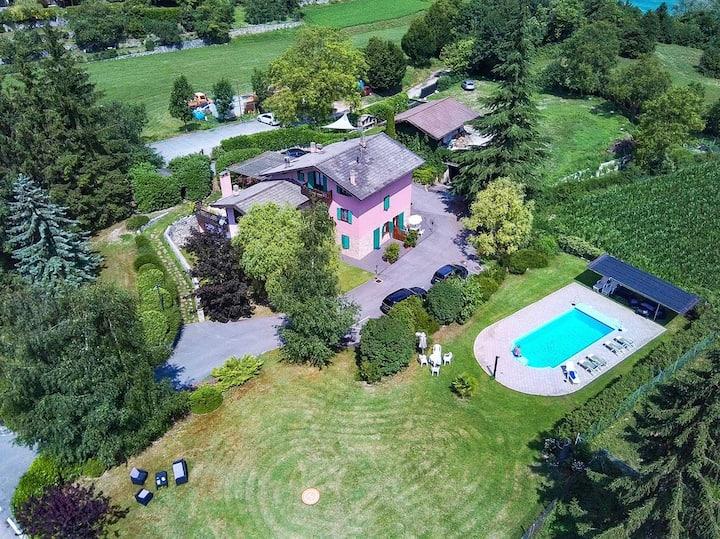 Villa nel verde con piscina ad uso esclusivo