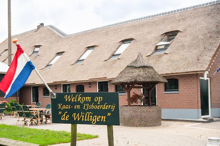 """Groepsverblijf de """"oude"""" hooiberg - Vreeland - Apartment"""