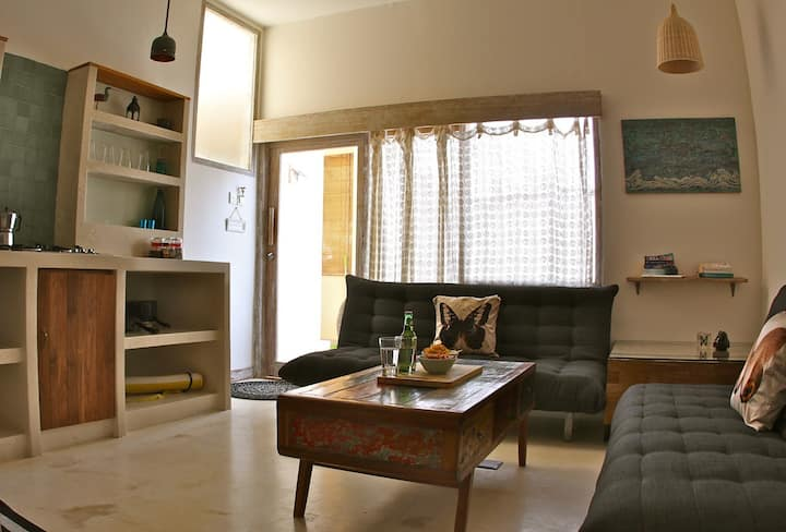 RENTAL by the MONTH! Yin Family MAIN BEACH ROAD