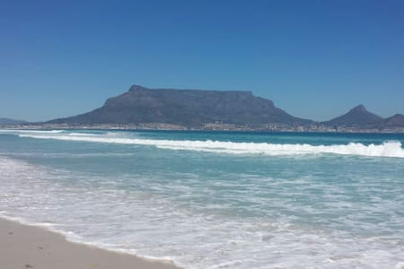 Double room available in Cape Town - Кейптаун