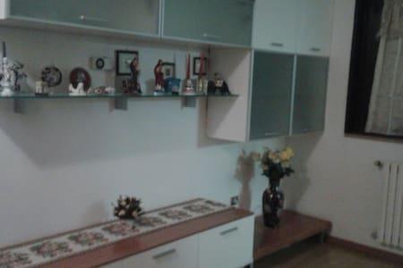 Appartamento ideale per  famiglie - Taverne D'arbia - Daire