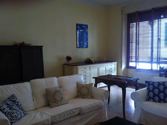 Appartamento nel Centro Storico - Borgo a Mozzano - Apartemen