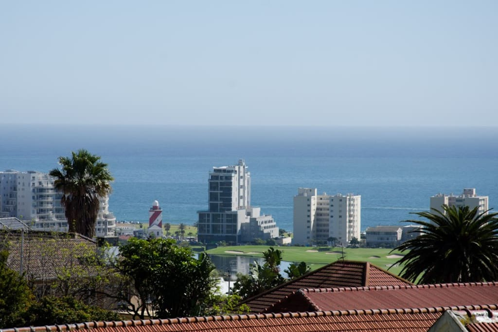 awesome views of the ocean & greenpoint golfcourse / botanical garden