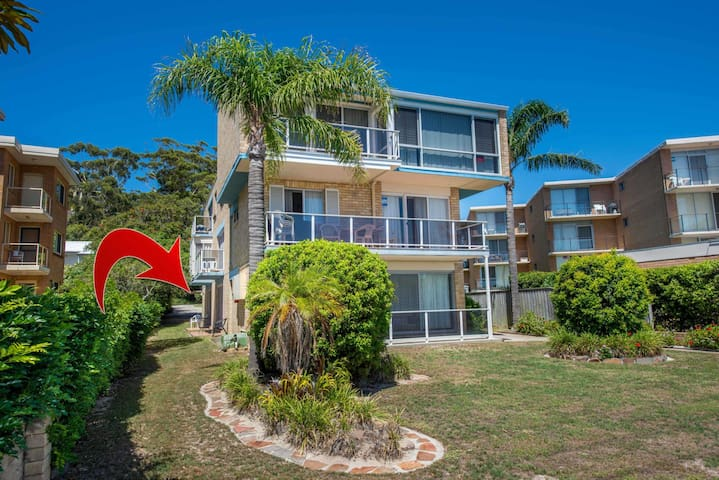 Castaway Unit 3/17  Shoal Bay Road
