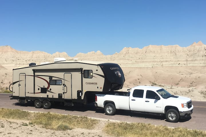 "Great Expedition Mobile ""The Gem"" RV"