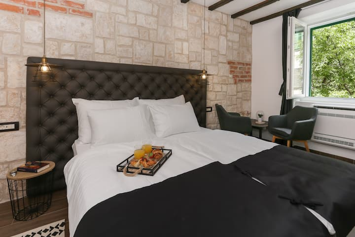 Luxury room Dino No.2 in Old town of Split