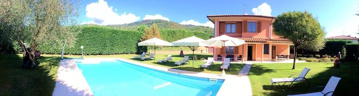 on the Chianti hills - Villino Blu 10+2 pax