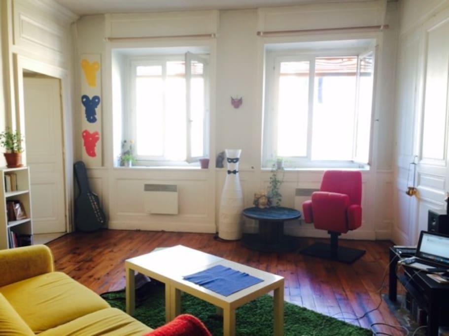 Appartement f te des lumi res appartements louer for Appartement original lyon