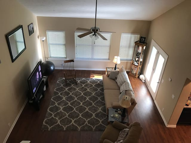 New Townhome minutes off I24