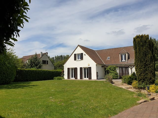 Villa spacieuse domaine privé proche golf 18 trous