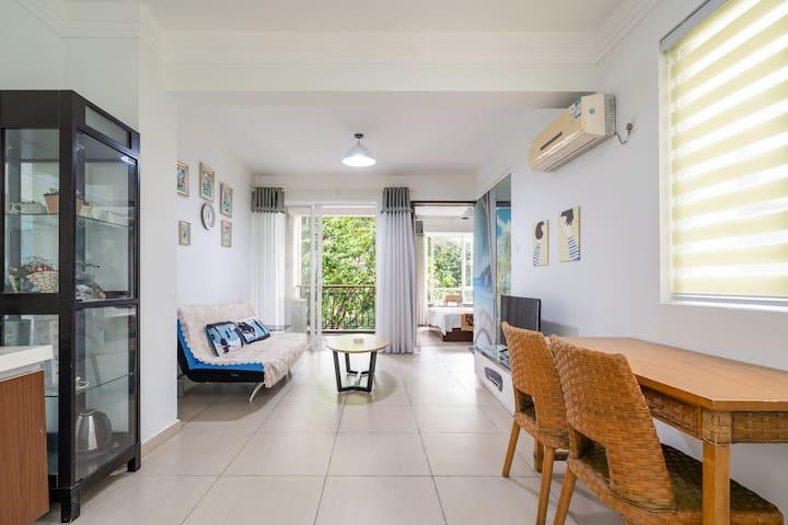 三亚亚龙湾-翡翠谷豪华园景一室一厅,一日游,潜水,免税店免费接送,其他统统有折扣。