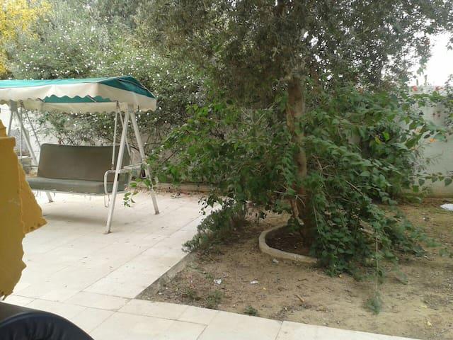 rez de jardin menzah 9 - 튀니스(Tunis) - 별장/타운하우스