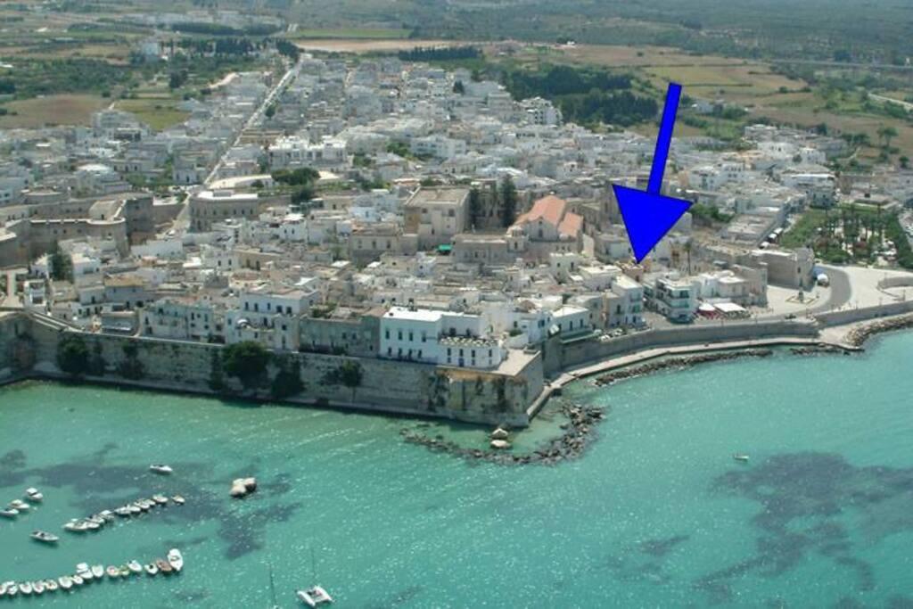 Posizione del grazioso bilocale in pieno centro storico e a due passi dalla spiaggia.