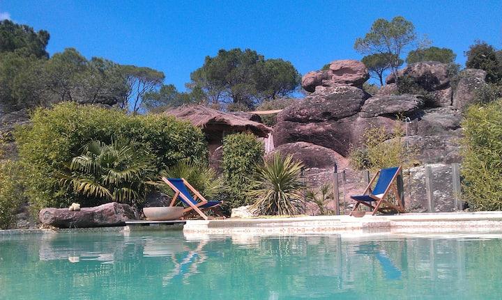 Spacious villa beautiful Unique Pool and setting