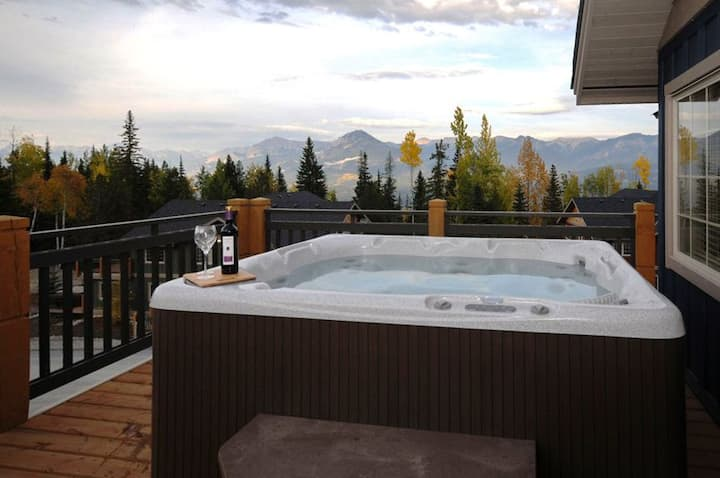 2-Bedroom Townhome with Private Hot Tub