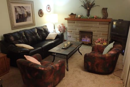Sweet Furnished Single Family Home - Pittsburgh