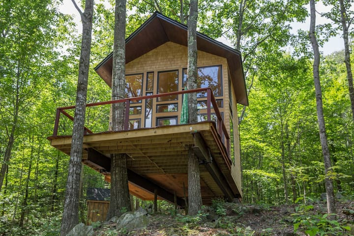 Ling Treehouse: Soul's Retreat